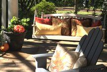 Fall porch swing