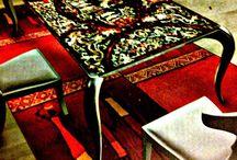 Living dinamico - gli arredi / L' intervento si propone di dare un nuovo sorriso al living introducendo elementi di arredo alternativi, con un riferimento storico, mirato a cogliere in ogni dettaglio l'opportunità per una soluzione non banale e spregiudicata, nella costante ricerca dell'effetto spettacolare, sottolineato qui dalla presenza di un quadro prestigioso.