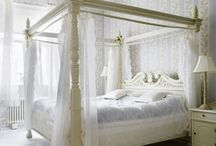 Bedroom / Beautiful Boudoirs / by Hannah Difford