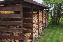 Holzunterstand