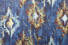 Draperii colorate living Decadence Prestigious / Transforma casa ta intr-un vis frumos cu ajutorul colectiei de draperii colorate living Decandence Prestigious. Infuzia de culori din tiparele geometrice si modele florale transforma acesta colectie intr-o adevarata opera de arta. Fiind niste materiale textile extrem de rezistente si de o calitate superioara fata de produsele din piata, se pot folosi si ca tapiterie pentru canapele si perne.