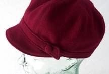 Hats & toques / by Cathy Chaput