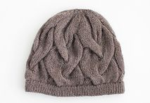 Knit knit knit --- Hats & Mitts