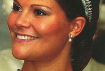 ROYALTY - Swedish Crown Jewelry