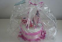 Emybaby Gâteaux de couches / http://emybaby.free.fr Cadeau naissance, Baby-Shower, le gâteau de couches ! Cadeau original, unique et personnalisable qui plaira à tous les parents et bébés ! Tout est utilisable ! Couches et articles de puériculture de grandes marques. Pour tous les budgets !