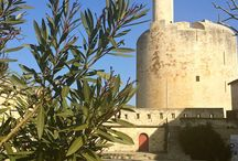 Aigues-Mortes / The walled city of Aigues-Mortes is filled with history and tragedies, as well as many modern-day tourists. Learn more at barefootblogger.fr