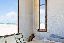・ ・ window seat