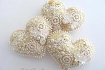 LITTLE beads / by Wende Jones