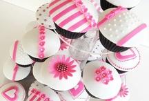 Cupcakes / by Miriam Vidaurri