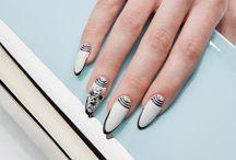 Diamond Crystal / scintillanti #diamantini #swarovsky per impreziosire le vostre #nail #art!  Gli #Estrosa #Diamond #crystal si contraddistinguono per #qualità, #purezza e #brillantezza uniche!