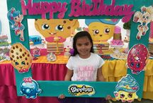 shopkins house and suff / shopkins they are mini toy and there fun to play with