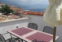 Korcula Accommodation / Looking for a place to stay on Korcula Island? There's a wide range of holiday accommodation available, from budget travelling rooms to luxury hotels.