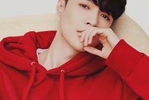 EXO ♥ Lay