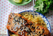 Délicieux saumon / Des recettes des plus banales au plus insolites, le tout, au saumon !