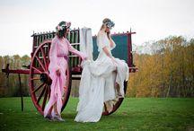 Vogue.es & Los Claustros / Trajes de Helena Mareque Flores de Sally para The Workshop