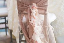 Blush Wedding Ideas / The neutral color lovers unite over blush wedding ideas, and for good reason. Blush makes everything all better! Used as a foundational accent color or a main sold, there are a million ways to use blush and be fabulous while doing it.