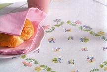kanaviçe masa örtüleri