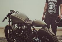 Cars and Cafe Racers / by Billy Boorer