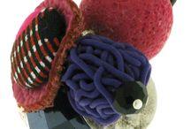 Bijoux Lili et le scarabée rOZ / Bijoux Lili et le scarabée rOZ en argile polymère avec des modèles très colorés. Le plaisir de porter des bijoux français ! http://www.bijouterie-influences.com/136_Lili-et-le-scarabee
