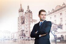 Fotografia Biznesowa Kraków, Warszawa / Na tej tablicy będą umieszczane zdjęcia biznesowe i korporacyjne. Portrety biznesowe, portrety pracowników, zdjęcia grupowe.  #fotografia #biznesowa #corporate #photography BARTEK DZIEDZIC www.ZDJECIA-REKLAMOWE.PL