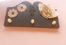 """Porta Chaves """"Borboletas"""" / Confeccionado 100% artesanal, em madeira de reciclagem com detalhes a mão."""