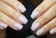 Nails with polish gel