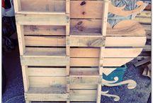 Pallets Creations / Pallets #customhomedecor #homedecor #reclaimed #woodwork #woodart #diydecor #rusticdecor #woodsign #avaberrylane #monogram #rustic #decor #pallet #decorinspiration #palletwood #diy #reclaimedwood #recycled #nontoxic #adamhortonart #sketch #artlovers #art #instagram #turnerbythetees #friday #watercolours #mixing #weekend #colours