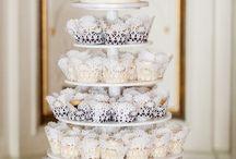 Cake Dislays / by Amanda Phelps