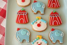 iced biscuits clown
