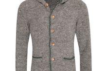 Trachtenstrickjacken für Herren Kollektion Herbst/Winter 2017 / Auch für Herren gibt es unterschiedlichste Strickjacken die sowohl im Alltag zur Jeans, oder auch zur feschen Tracht kombiniert werden kann.