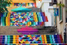 Najpiękniejsze schody świata / Kolorowe, nietypowe, zachwycające. Oto najpiękniejsze schody na świecie. Nawet jeśli nie lubicie wchodzić po schodach, po tych zechcecie wejść.