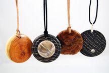 Wisiory / Ręcznie wytoczone przedmioty z drewna
