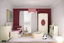 ELISSE MARRONE - kolekcja mebli dla dzieci / Ciemny bordo to kolor ciepła, spokoju i natury. Mocny akcent na białych meblach to z jednej strony minimalizm, a z drugiej możliwość wprowadzenia do pokoju Dziecka ulubionego koloru.
