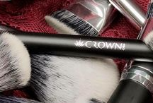 Crown Brush / A collection of current Crown Brush Cosmetic Brushes and Sets