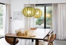 Home office / De grenzen tussen privé en werk vervagen, nu steeds meer bedrijven de voordelen ontdekken van thuiswerken. Het kantoor aan huis krijgt een hele andere dimensie bij het zien van deze stijlvolle werkplekken. De mooiste bureaus, bureaustoelen, hanglampen maken van je 'home office' een inspirerende ruimte.
