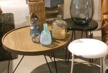 bijzet tafels / bijzettafels zijn ideaal voor zaken die u binnen handbereik wilt houden wanneer u op de bank ontspant, zoals een kopje koffie en een schaal met lekkers. Tuurlijk is de Bijzettafel ook een object waar je je accessoires op kan tentoonstellen.