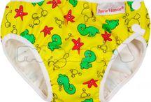 Verano / Bañadores, sombreros para protegerles del sol, gafas para bucear, botitas de neopreno, toalla de microfibra,aleta de tiburón, todo lo que necesita tu bebé para este verano.