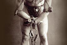 Harry Houdini / The escape artist.