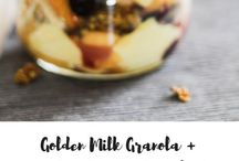 Granola / Healthy and homemade granola for breakfast