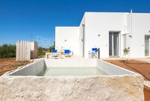 """Luxury Villas & holiday houses / Marinelli is also """"Holiday House"""" with new apartments in Santa Maria di Leuca with panoramic terrace and natural furnishings (Greeks Earth) or old houses in the historical center of Specchia recovered with great taste (Case Ferrante Gonzaga), for a vacation in one of the most beautiful villages in Italy."""