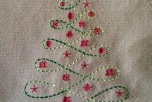 Adornos navideños bordados