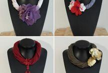 Collares de Flores by LULABI / Collares de flores confeccionadas a mano. Fabric flower necklaces handmade.