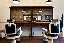 Quiet Barber Shops / Une sélection de paisibles échoppes, par Monsieur Barbier, de quoi méditer en se refaisant une beauté, tranquille. On est pas bien là ...  ;)