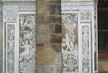decorazioni / dettagli decorativi di architetture di esterni e interni