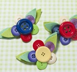 Buttons n bows n brooches n things  / by Marsha Menace