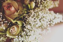 Wedding Flowers / Ideas and inspiration for your wedding day flowers. Including bouquets, buttonholes and venue styling