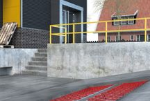 Outdoor applications / MAGNUM Outdoor offer safety and reliability with a low running cost and no maintenance. Safety prevention and continuity are key concepts that warrant the installation of frost free fittings. Suitable areas for this type of system are entrance and exit slopes of distribution centres, parking areas, hospitals, fire stations, office buildings or any area that during winter time could create a hazard or disruption.