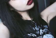 Dark  >-<