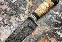 Kések, kardok, szabják, fokosok