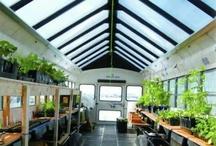 The Schoolbus Workshop / A traveling DIY workshop school housed in a solar-powered converted schoolbus.
